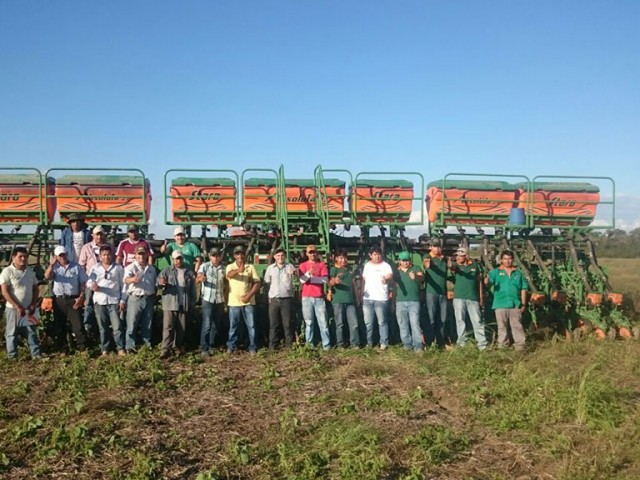 Dealership Unimaq performed lecture about planting