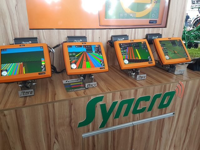 Syncro – Synchronized machines sharing information